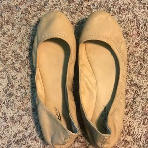 LUCKY BRAND NUDE FLATS SIZE 10